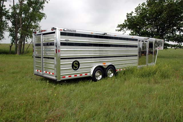 Cimarron Trailers has teamed up with club calf legend Kirk Stierwalt to design the perfect club calf trailer. The Stierwalt Pro Package has all the most useful trailer features for hauling club calves.
